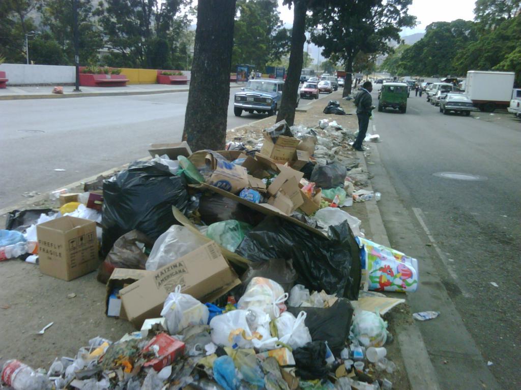 Ursynów tonie w śmieciach!