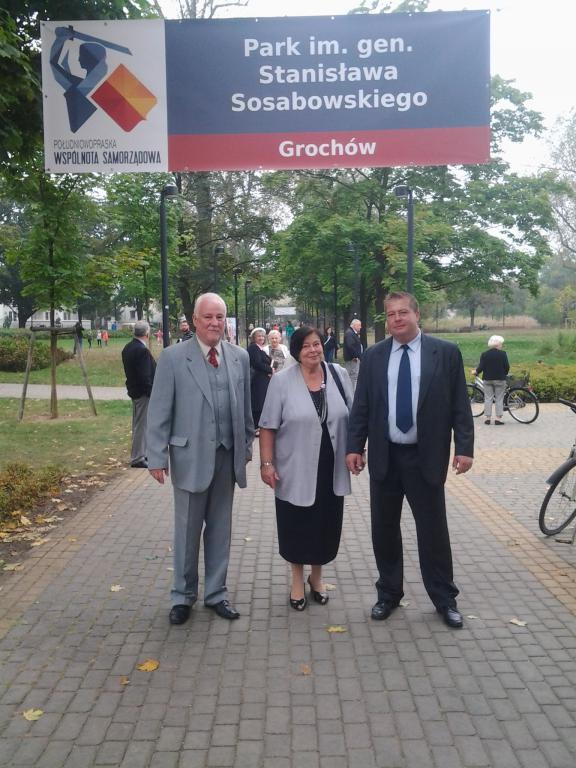 W Parku przy ul. Znicza obchody 75 rocznicy obrony Grochowa